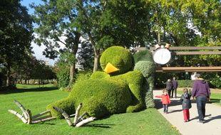 Nantes: Le poussin de Claude Ponti quitte le Jardin des plantes