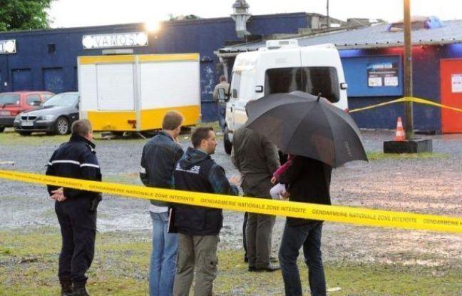 L'auteur présumé des coups de feu qui ont fait 10 blessés dimanche matin dans une discothèque près de Cambrai et sa compagne devaient être présentés mardi à un juge d'instruction de Douai, après l'ouverture d'une information judiciaire pour tentative d'assassinat.