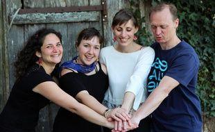 Les quatre porteurs du projets ont mis deux ans à monter l'école Noèsis à Guignen, au sud de Rennes.
