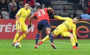 Le Lillois Thiago Mendes face à Marco Verratti lors de Lille-PSG, samedi 3 février 2018