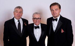 Les acteurs Robert De Niro et Leonardo DiCaprio entourant Martin Scorsese