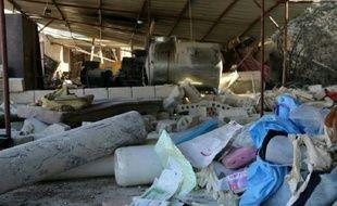 Une image fournie par Médecins sans frontières (MSF) le 16 février 2016 montre des débris dans un hôpital près de Maaret al-Numan, dans le nord de la Syrie, bombardé la veille par ce qui semble devoir être des frappes russes