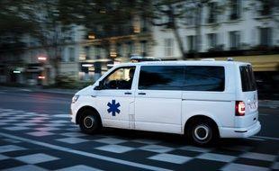 Une ambulance, a priori non volée, dans les rues. (illustration)