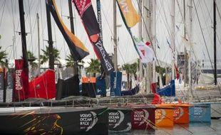 Six des plus belles machines de course océanique au monde ont pris samedi à Alicante (Espagne) le départ de la Volvo Ocean Race, fabuleuse régate en équipage de 39.000 milles autour du globe qui s'achèvera le 7 juillet à Galway (Irlande), au terme de neuf étapes.
