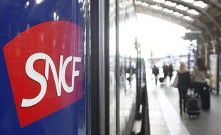Illustration d'un TER de la SNCF en gare de Lille Flandres.