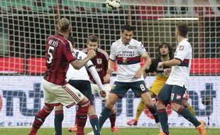Philippe Mexès inscrit un joli but lors de Milan AC-Genoa le 29 avril 2015.