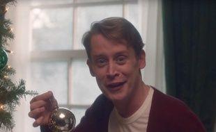 Extrait d'une pub Google, où Macauley Culkin reprend son rôle de Kevin McCallister mais adulte