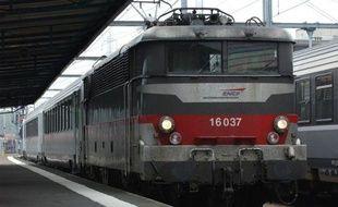 Un train intercité SNCF