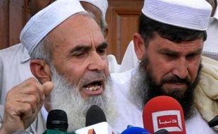 L'ingénieur polonais enlevé fin septembre au Pakistan par des talibans a appelé à la libération des combattants islamistes emprisonnés par le gouvernement pakistanais, dans une vidéo diffusée mardi par des médias polonais.