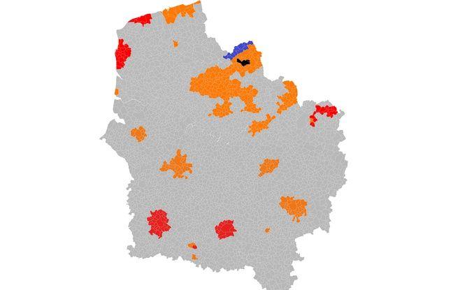 Les zones de déploiement de la fibre optique dans les centres urbains. En orange, les zones où Orange est responsable; en rouge, SFR; en bleu Covade; en noir, les zones très denses (Lille et Mons-en-Barœul).