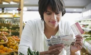 La fièvre du couponing permet à bon nombre de consommateurs de réaliser des économies au supermarché.