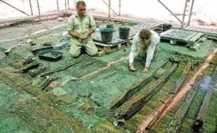 Le vaisseau romain, déterré en partie, transportait des denrées entre le IIe et le IIIe siècle.