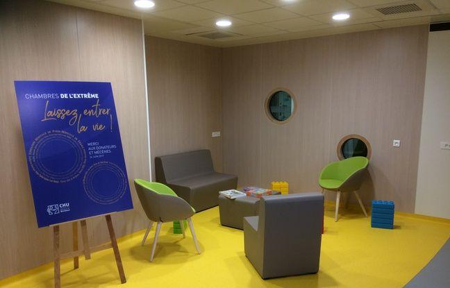 Un espace commun permet aux enfants de sortir de leur chambre et de partager des activités ensemble.