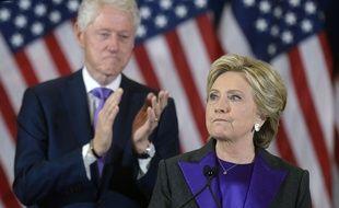 Hillary Clinton s'est adressé à ses supporteurs, le 9 novembre 2016, et a félicité Donald Trump pour sa victoire.