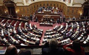 Le Sénat a adopté mardi soir le projet de loi de financement de la sécurité sociale (PLFSS) pour 2011, placé sous le signe des économies par 177 voix contre 161.