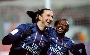 Les joueurs du PSG, Zlatan Ibrahimovic et Blaise Matuidi lors d'un match contre Saint-Etienne le 17 mars 2013.