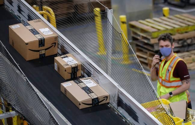 648x415 a complex system of conveyor belts transports packages around the amazon distribution center in etna