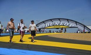 Sur le circuit des 24 Heures du Mans.