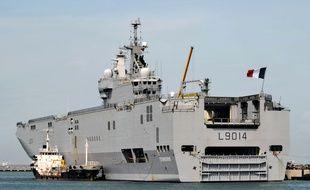 Le BPC Tonnerre est le deuxième plus grand navire de la Marine nationale (illustration).