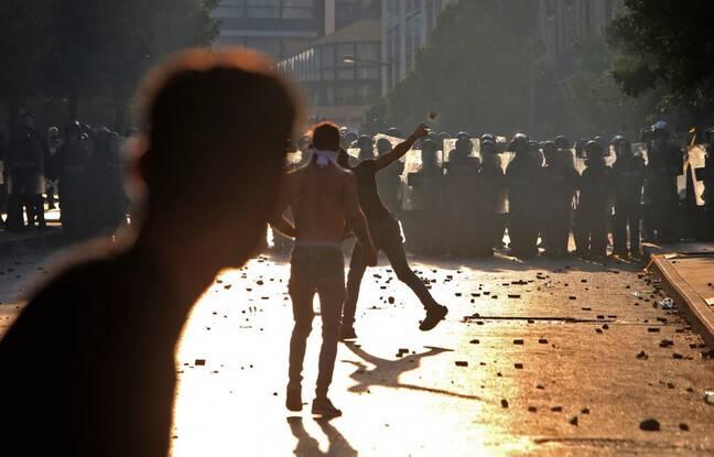 Explosion à Beyrouth: Des heurts entre policiers et manifestants marquent le premier anniversaire de la catastrophe