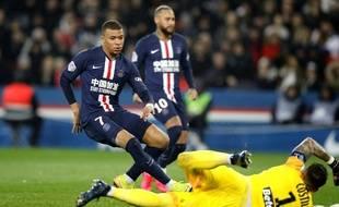 Mbappé face à Costil lors de PSG-Bordeaux, le 23 février 2020.
