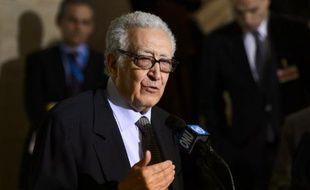 """L'émissaire spécial des Nations unies et de la Ligue arabe pour la Syrie, Lakhdar Brahimi """"doute"""" que la conférence internationale sur la Syrie, dite Genève 2, se tienne en juillet."""