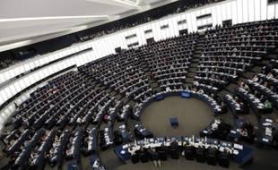 """Le Parlement européen a exigé jeudi des """"éclaircissements immédiats"""" de Washington sur les allégations d'espionnage des institutions et citoyens européens par les Etats-Unis, et a confié à l'une de ses commissions le soin d'enquêter sur ces pratiques."""