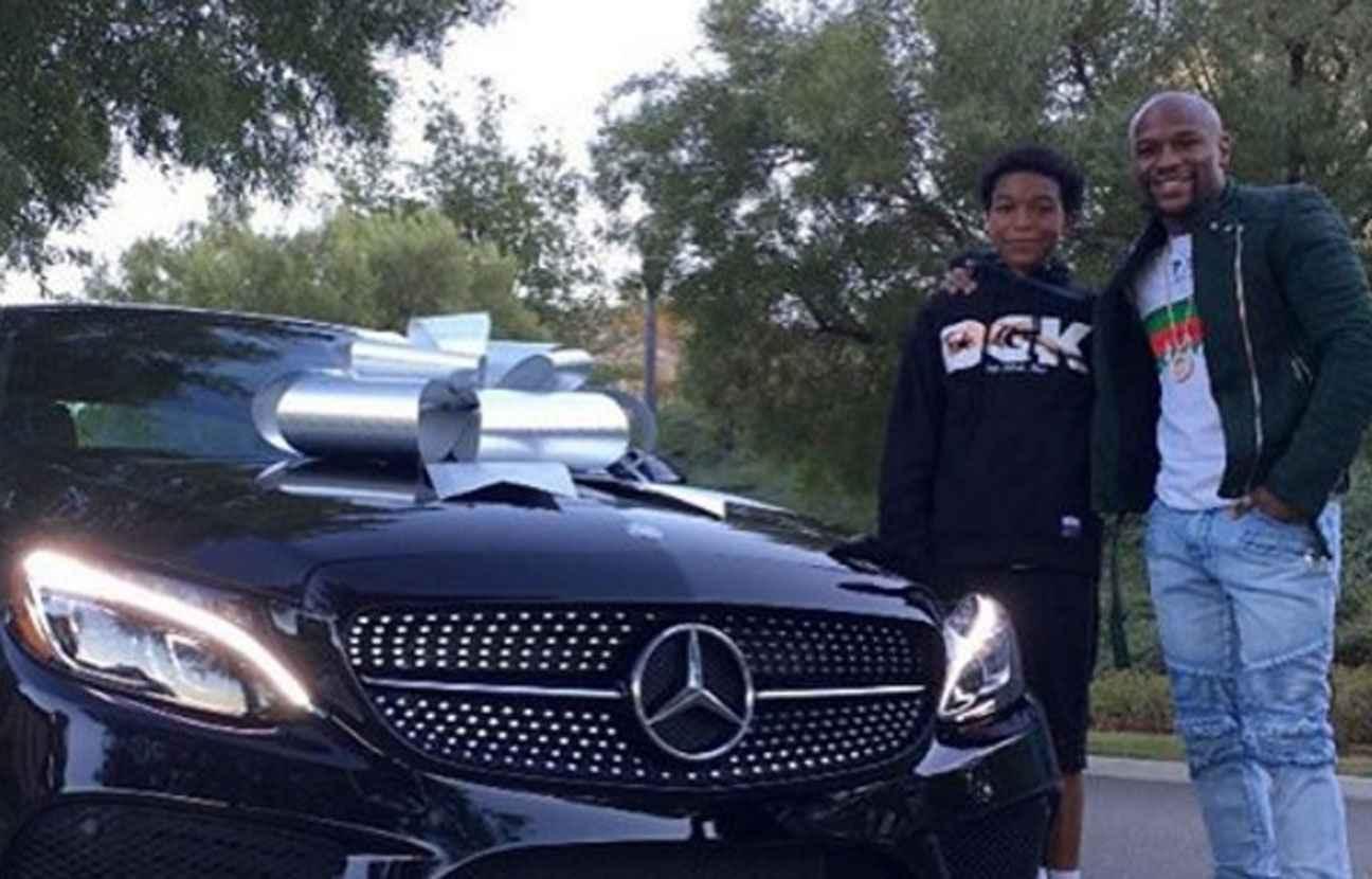 floyd mayweather offre une voiture euros son fils pour ses 16 ans. Black Bedroom Furniture Sets. Home Design Ideas