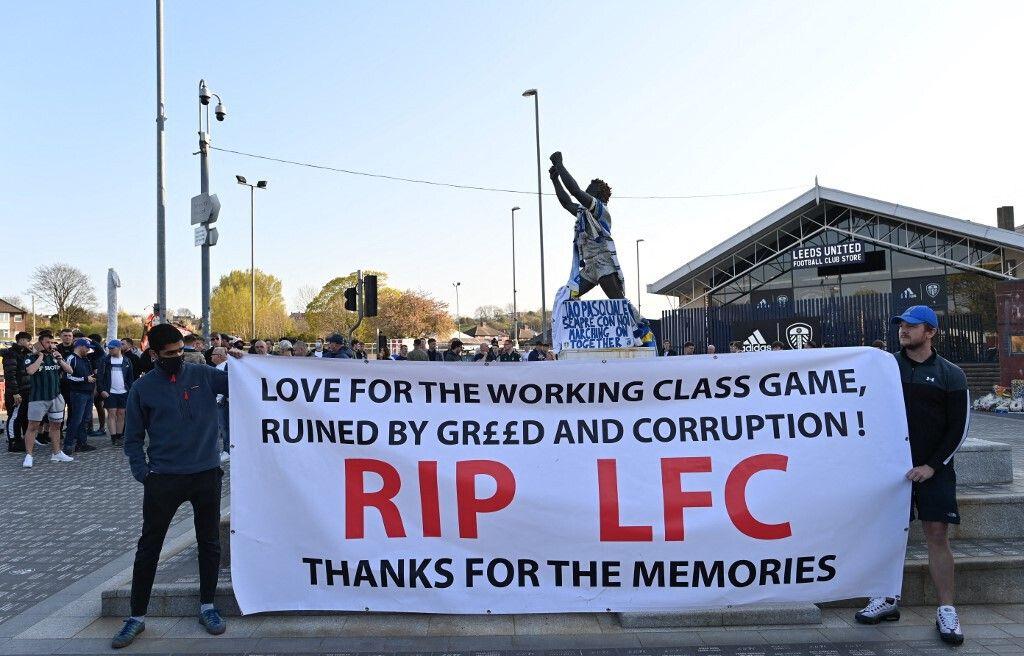 Les fans de Liverpool ont manifesté contre la Superligue, lundi soir, à l'occasion du match contre Leeds.