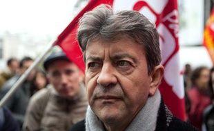 Jean-Luc Mélenchon à une collecte de fonds pour les grevistes organisée sur le parvis de la place beaubourg a Paris, le 23 octobre 2010.