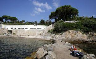 """Vue en date du 20 juillet 2015 de la plage de """"La Mirandole"""", à Vallauris"""