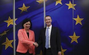Mark Zuckerberg a rencontré la la Commissaire européenne à la Justice, Vera Jourova, le 17 février 2020.