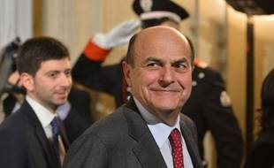 Le président italien Giorgio Napolitano a convoqué vendredi à 16H00 GMT le leader de la gauche italienne Pier Luigi Bersani, vraisemblablement pour lui confier la tâche de tenter de former le nouveau gouvernement.