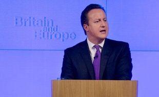 Le Premier ministre David Cameron s'est engagé mercredi sous la pression des eurosceptiques à organiser d'ici la fin 2017 un référendum hautement controversé pour ou contre le maintien du Royaume-Uni dans une Union européenne réformée, au risque d'indisposer ses partenaires européens.