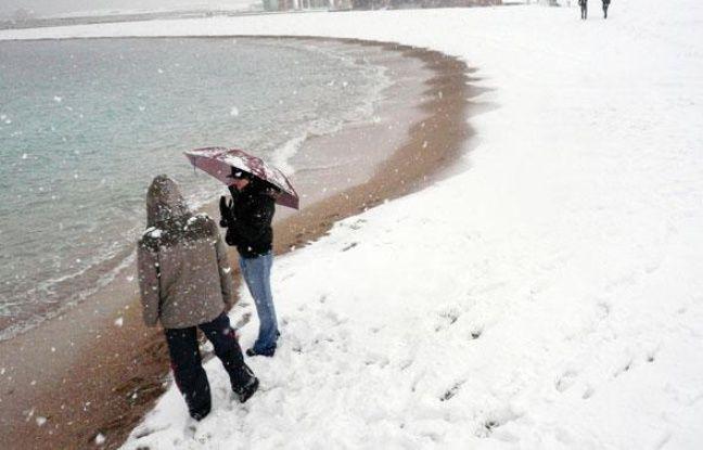 VIDEO. Météo: «il est tombé à Marseille une année jusqu'à 25 centimètres de neige», rappelle un prévisionniste