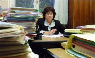 La juge Marie-Odile Bertella-Geffroy ne pourra pas réintégrer ses fonctions au pôle santé du tribunal de grande instance de Paris, selon une ordonnance rendue vendredi par le Conseil d'Etat, qu'elle avait saisi en référé.