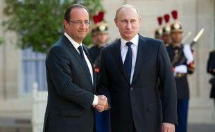 Le président russe Vladimir Poutine est arrivé vendredi à 19H00 à l'Elysée, venant de Berlin, pour un entretien avec François Hollande, qui sera suivi d'un dîner de travail et d'une conférence de presse conjointe, a constaté une journaliste de l'AFP.