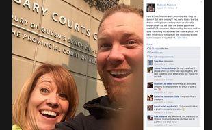 Le «divorce selfie» de Shannon et Chris Neuman, publié sur la page Facebook de la jeune divorcée.