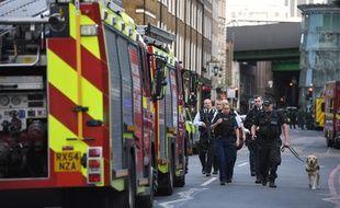 Des policiers dans le quartier de Borough Market à Londres après l'attaque du samedi 3 juin 2017.