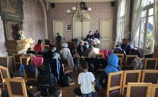 Les familles expulsées de la Maison du peuple à Nantes ont été conduites à la mairie annexe de Doulon