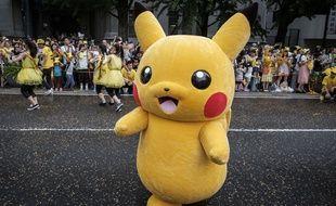Un personnage Pikachu durant la parade du carnaval Pikachu, Yokohama, au Japon, le 14 août 2017.