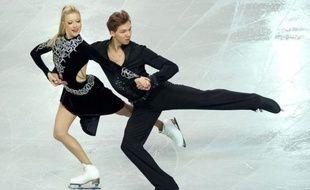 Les Russes Ekaterina Bobrova/Dmitri Soloviev ont pris la tête de l'Euro-2012 de patinage artistique en danse à l'issue du programme court (65,06 points) devant les tenants du titre français Nathalie Péchalat/Fabian Bourzat (64,89), mercredi à Sheffield.