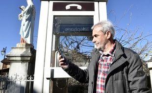 Depuis deux mois, le téléphone portable du maire d'Antichan de Forntignes, en Haute-Garonne, sonne enfin.