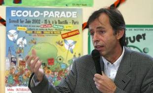 L'économiste Bernard Maris, le 22 mai 2002 à Paris