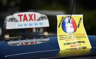 Un taxi lors de la manifestationo contre UberPOP le 25 juin 2015 à Marseille