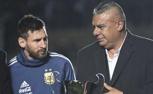 Le président de la Fédération argentine Claudio Tapia et Lionel Messi, en juin 2019.