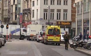 D'importants moyens policiers, des démineurs et des membres des services de secours avaient été mobilisés au centre de Bruxelles.