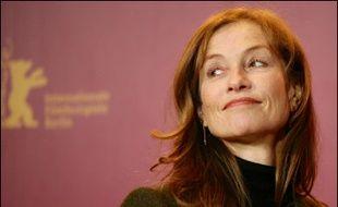 Impossible de ne pas reconnaître la juge Eva Joly dans le personnage de Jeanne Charmant Killman (Isabelle Huppert), chargée de démêler une complexe affaire de concussion et de détournements de fonds mettant en cause le président d'un important groupe industriel, joué par un François Berléand ressemblant à s'y méprendre à l'ex-PDG d'Elf Loïck Le Floch-Prigent.