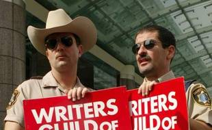 Non ce n'est pas la police de Los Angeles qui a rejoint le mouvement mais deux des acteurs de la série complètement loufoque «Reno 911» diffusée en France sur Pink TV.