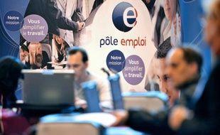 Allonger la durée de l'Assurance chômage ralentit le retour à l'emploi sans améliorer la qualité de l'emploi retrouvé, affirme une étude de l'Institut des politiques publiques obtenue mercredi par l'AFP.